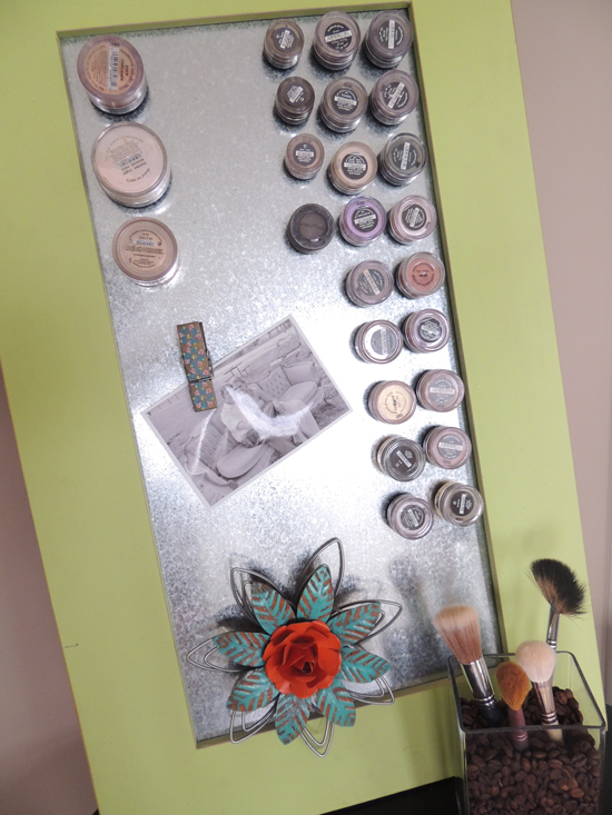 magnetic-mae-up-storage-board-