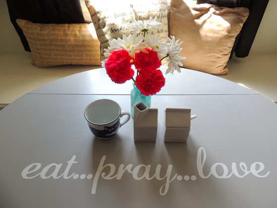 eat-pray-love-table